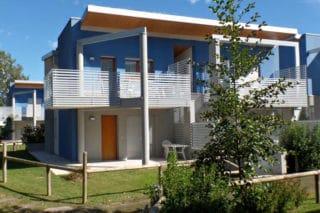 Villaggio turistico a Bibione (VE): rivestimenti esterni