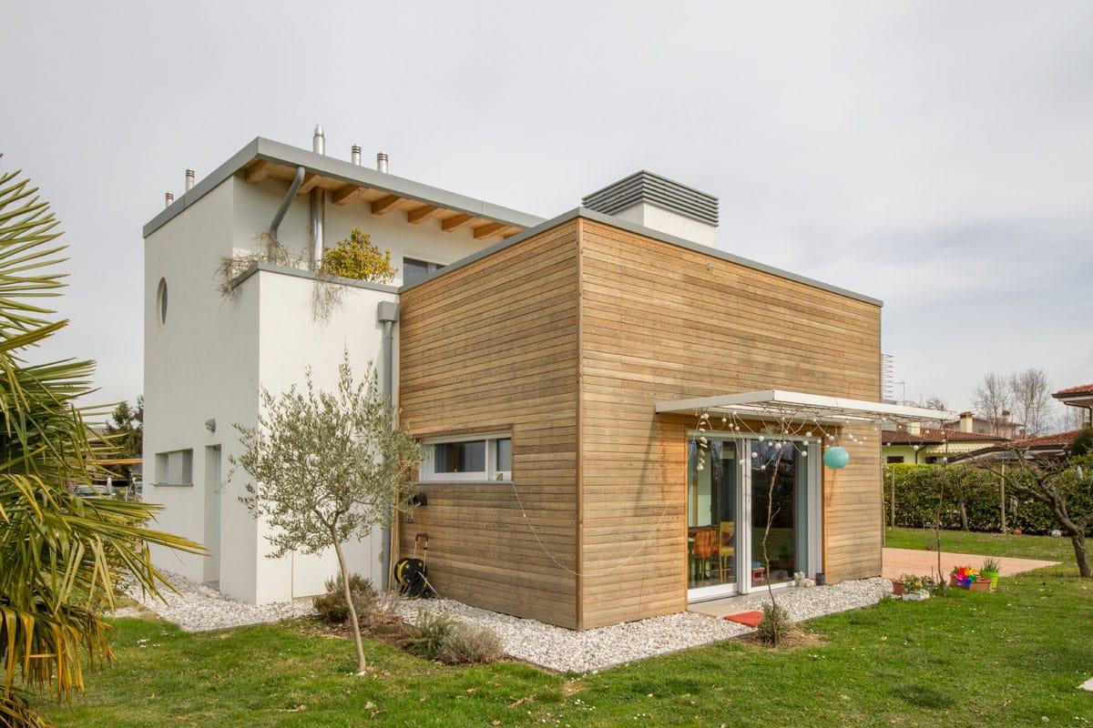Rivestimento Casa In Legno : Case in legno prefabbricate chiavi in mano