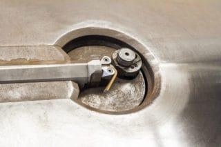 Macchina per la sagomatura dell'acciaio in rotolo