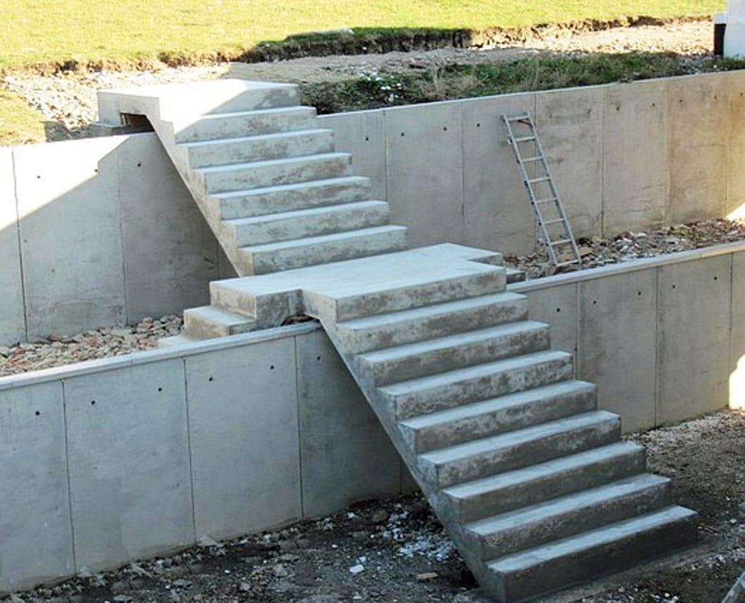 Scale Prefabbricate In Cemento